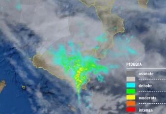 radar ore 22,30: piogge intense e costanti soprattutto sui settori orientali